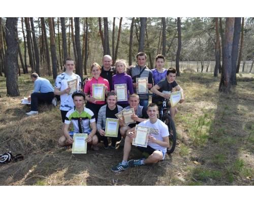 Успіх на обласних змаганнях з велосипедного туризму команди Нововодолазького ліцею №3, в яку входили вихованці клубу «Мандрівник», гуртків Нововодолазького БДЮТ: